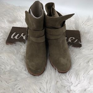 Ugg Ankle Boots Beige